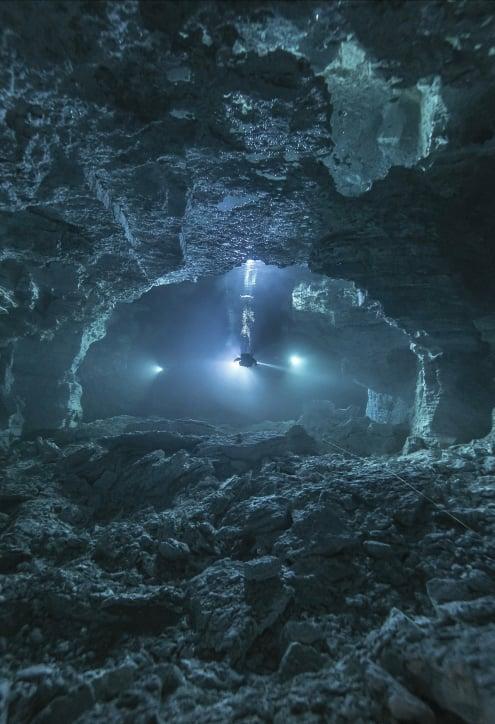 Ординская пещера — самая длинная гипсовая подводная пещера в мире. Общая протяженность всех гротов составляет свыше пяти километров