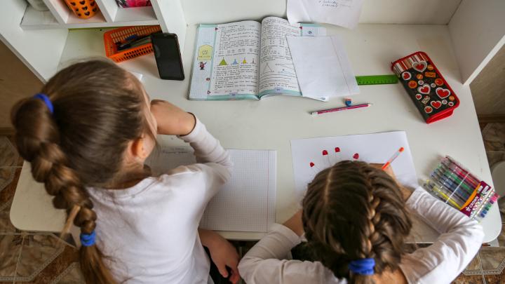 «Это очень хорошие показатели»: в Башкирии коронавирусом заболели 200 школьников и 150 учителей