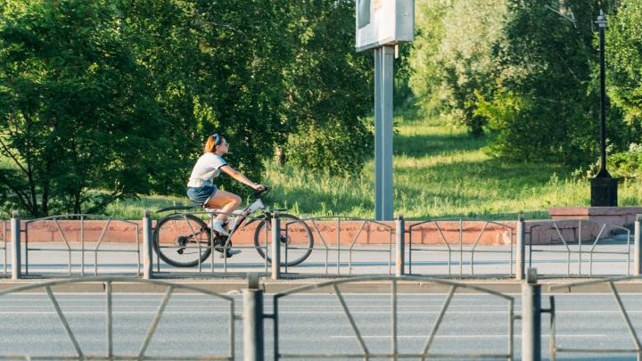 «Лёгкую жизнь чиновникам никто не обещал»: журналист — о планах мэрии помогать велосипедистам