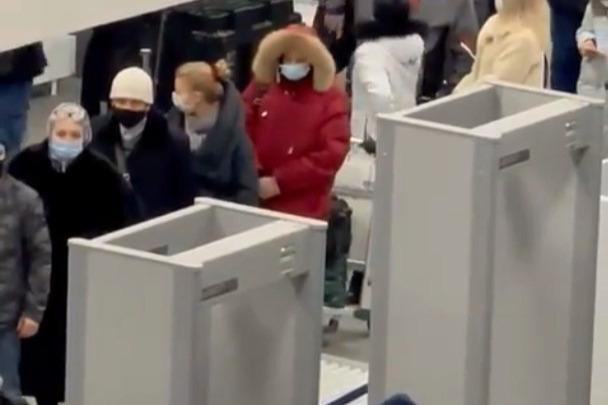 Прокуратура выяснила причину гигантских очередей в аэропорту Челябинска
