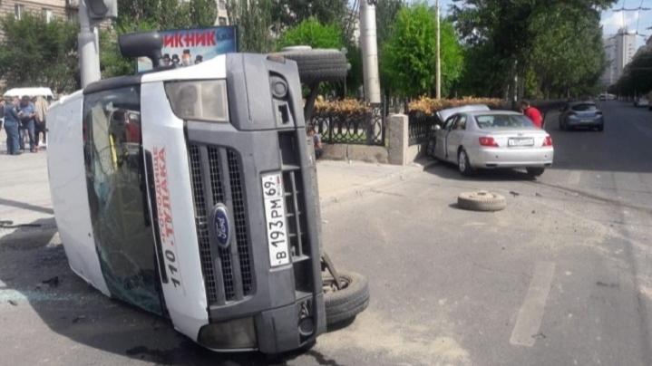 В Волгограде потратят 104 млн рублей на борьбу с аварийными перекрёстками