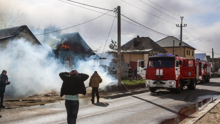 Гарь, слезы, раскаленный воздух: хроника большого пожара в Верхнезареченском