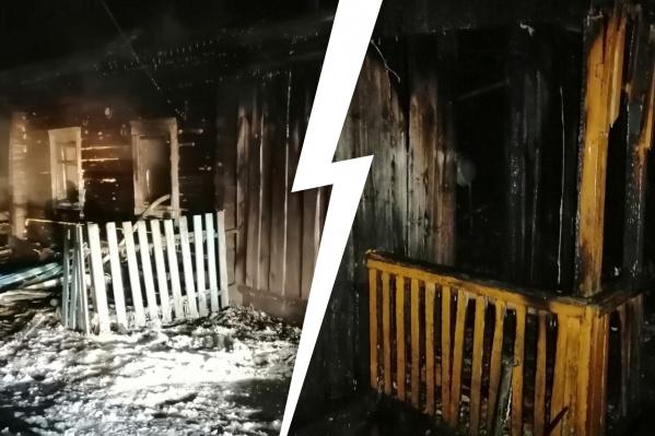 Последствия пожара в частном доме, где погибли трое детей. Деревянное сооружение сгорело за считаные минуты