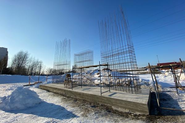 Мемориальный комплекс планируют открыть к 9 Мая, но не все согласны с его строительством