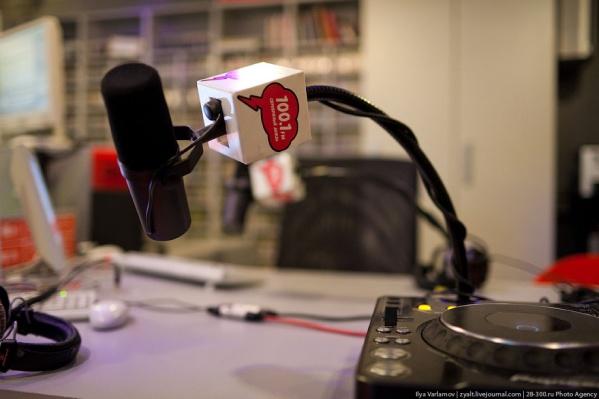 «Серебряный Дождь» вещает на частоте 98,9 FM