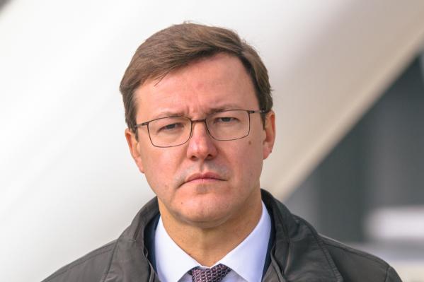 Дмитрий Азаров решил продлить ограничительные меры