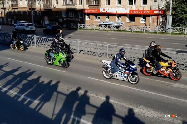 После покатушек у мотоциклистов запланирована большая вечеринка
