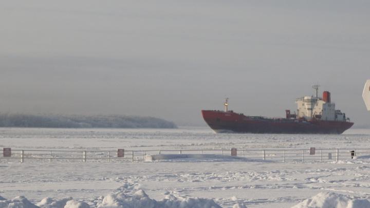 В Северодвинске осудили трёх мужчин, укравших 66 тонн топлива с кораблей