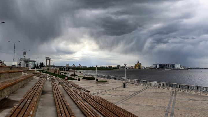 Грозы в безлюдном Нижнем Новгороде: смотрим 10 снимков «очень майской погоды»