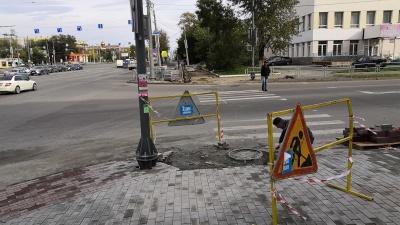 Укладчик плитки напал на челябинского роллера, возмутившегося неровным тротуаром на проспекте Ленина