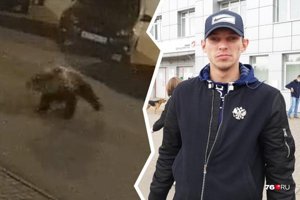 26-летнему Евгению Золотову пришлось сразиться с медведем на городской улице