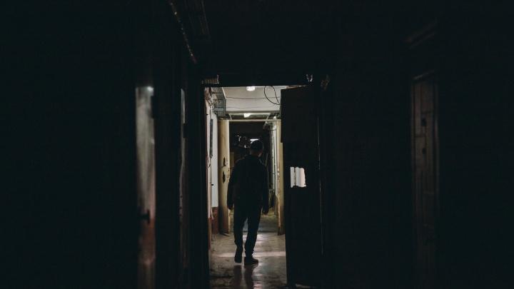 Трое мужчин изнасиловали девушку в Ялуторовске