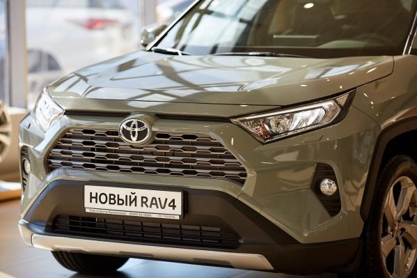 Toyota RAV4 считается одним из самых ликвидных автомобилей. По исследованиям, после трех лет эксплуатации он сохраняет 81,84% стоимости