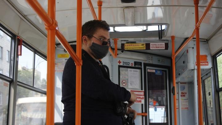 «Мы морально уничтожены»: как пассажиры скандалят из-за масок — откровения кондукторов (они очень устали)