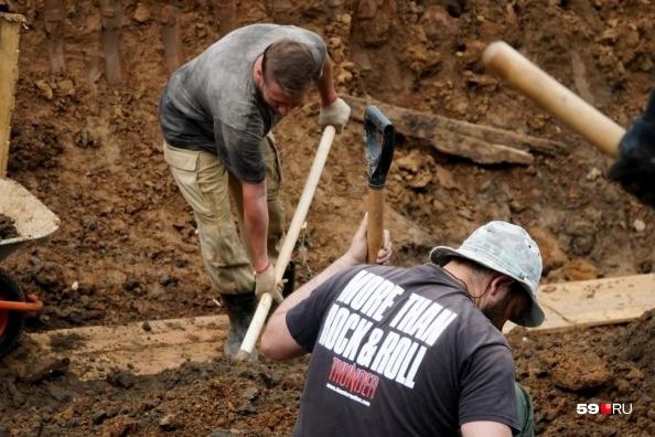 Пока археологи снимают верхний культурный слой