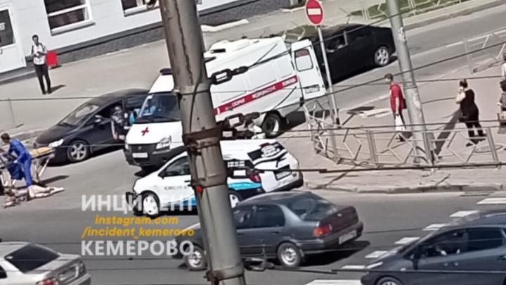В центре Кемерово сбили двух женщин. Одна из них — в тяжёлом состоянии