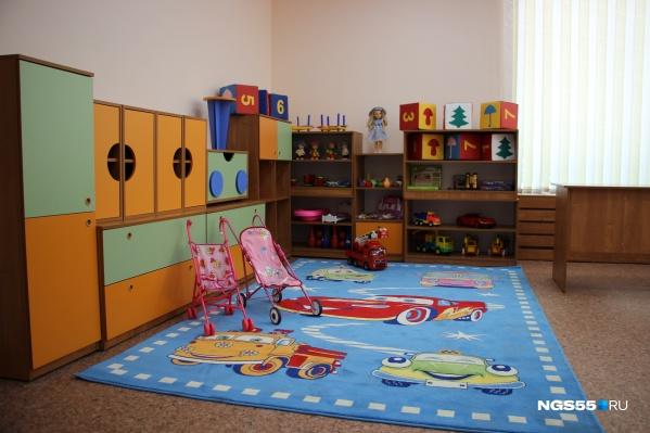 В детских садах Омска массово болеют воспитатели и дети