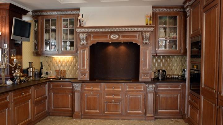 В Екатеринбурге на продажу выставили квартиру, где кухня стоит как пара трешек в хрущевке