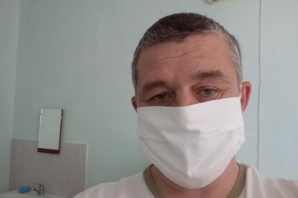 Олег Вахрушев не первый год работает в скорой помощи, но он даже не предполагал, что однажды окажется в роли пациента и будет настойчиво добиваться госпитализации
