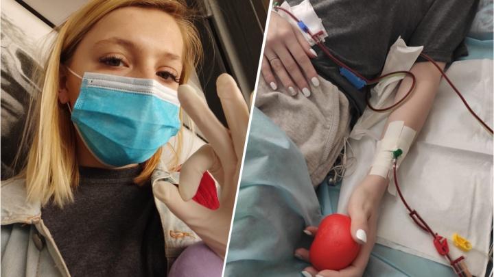 «Вероятность совпадения — 1 на 10 тысяч»: сибирячка полетела в Питер, чтобы стать донором костного мозга