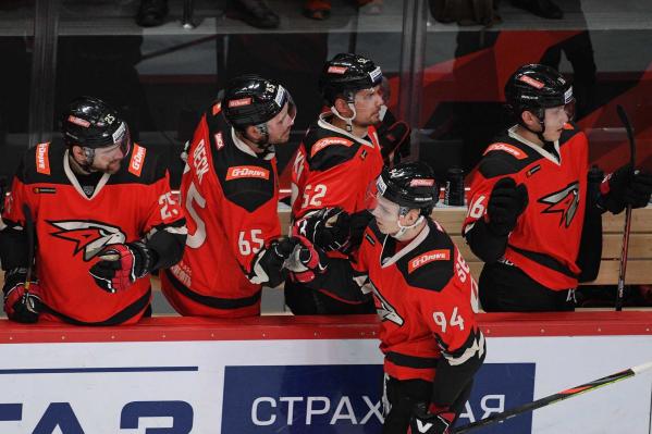 Кирилл Семёнов делится зарплатой с товарищами по команде
