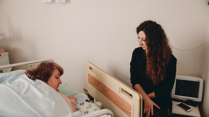 «Мечтаю ходить своими ногами»: как худеет самая большая в мире женщина — тюменка Любовь Нурдинова