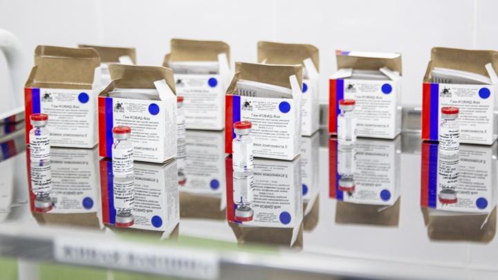 «Не является противопоказанием»: переболевшим ковид тоже могут поставить вакцину. Будет ли толк?