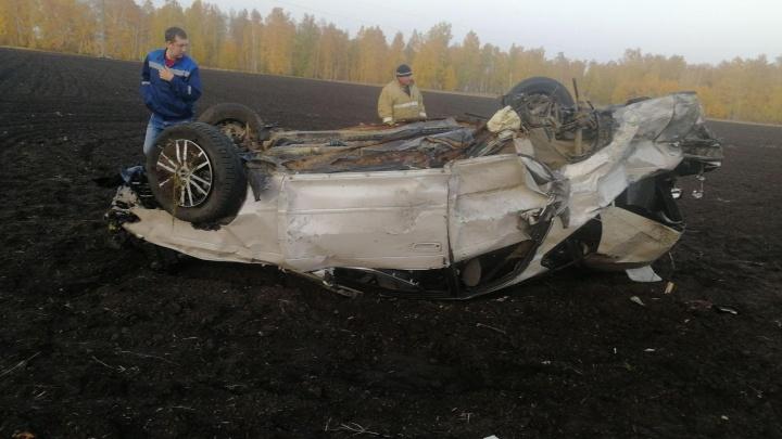 На зауральской трассе в ДТП пострадали три человека