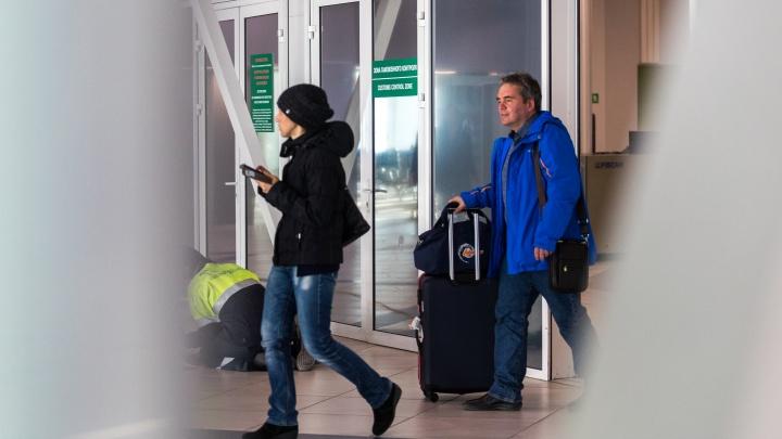 Туристам из Кемерово, Алтая и Томска, застрявшим во Вьетнаме, разрешили прилететь в Новосибирск