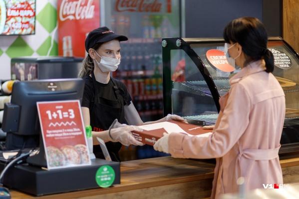 В Кузбассе всё ещё сохраняется масочный режим в общественных местах