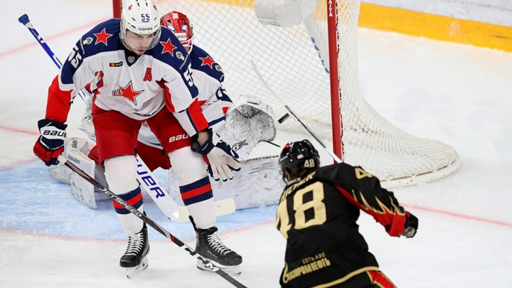 Капитанское поражение: лидер КХЛ без труда разобрался с «Авангардом»