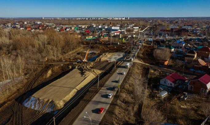 Для строительства второй очереди Фрунзенского моста рабочие «раздели» дорогу