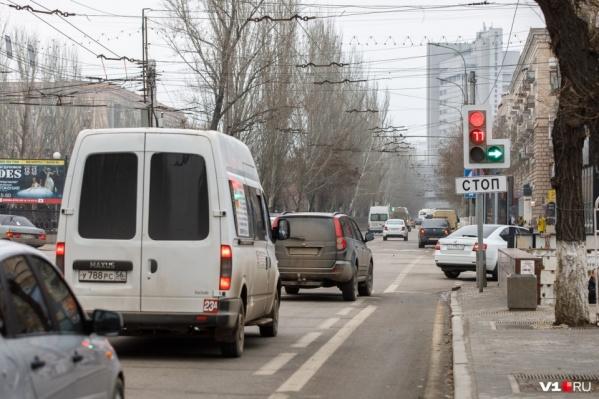 Спасти перекресток от бесконечных аварий пытаются уже не в первый раз