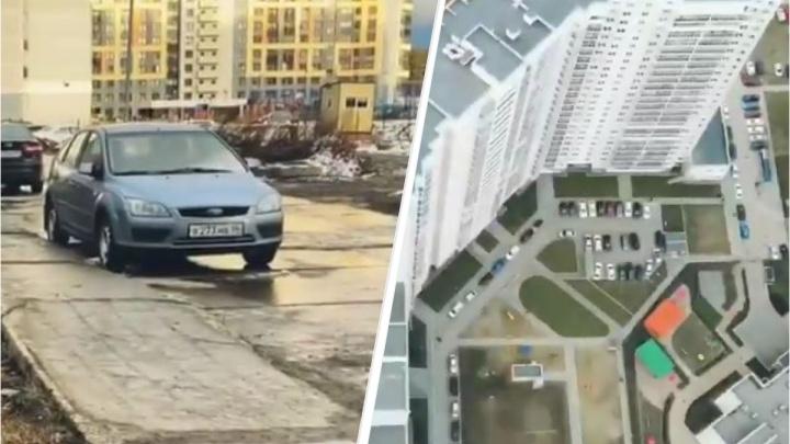 В Екатеринбурге «забыли» построить дорогу к большому жилому комплексу