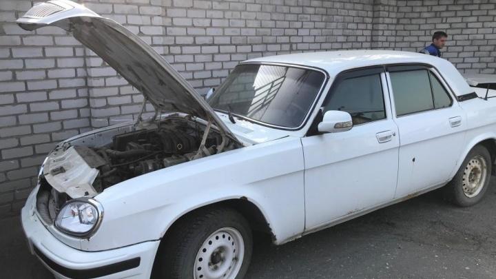 Самой молодой 13 лет: в Волгограде продают три «Волги» из гаража областной администрации