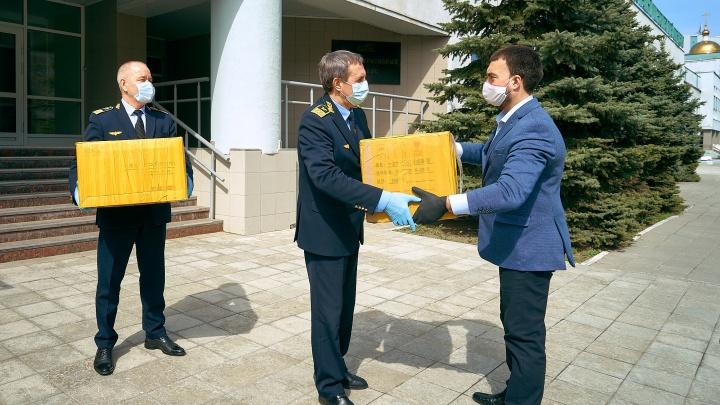 Самарские студенты-железнодорожники получили медицинские маски из Китая