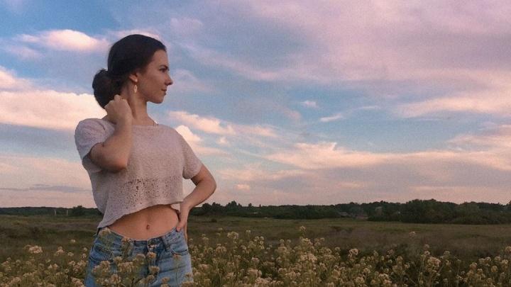 Без тонны косметики и масок: волгоградки на изоляции доказывают звание самых красивых в России