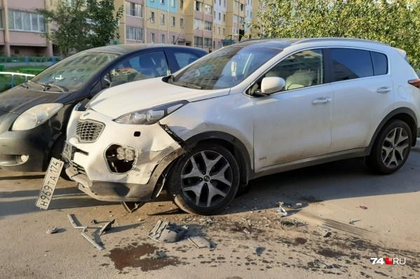 Пострадали пять припаркованных автомобилей, четыре из них — иномарки