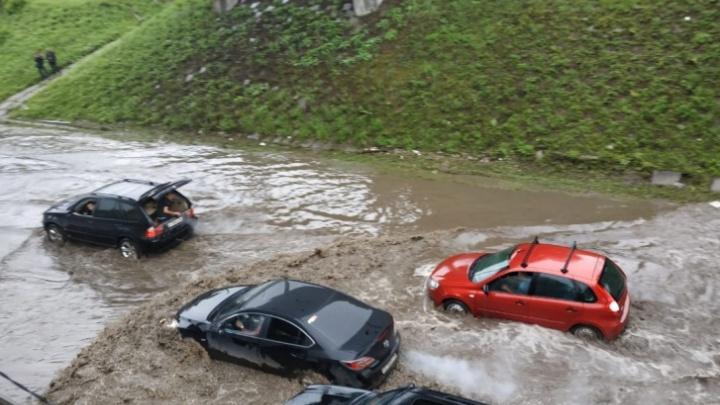 «Ответственность будет»: мэр Екатеринбурга — о Шефской, которая во время дождей уходит под воду