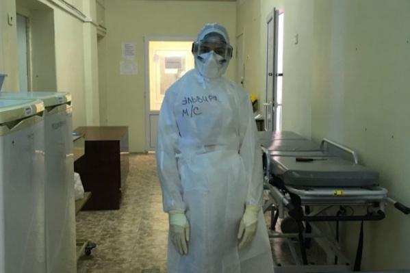 Этим летом девушка работала в пораженном коронавирусом интернате