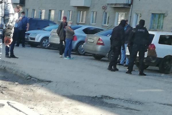 Жена Газаряна рассказала, что обыск проходил жестко