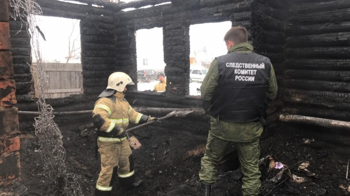 Страшный пожар под Новосибирском унес жизни 4 человек, в том числе ребенка