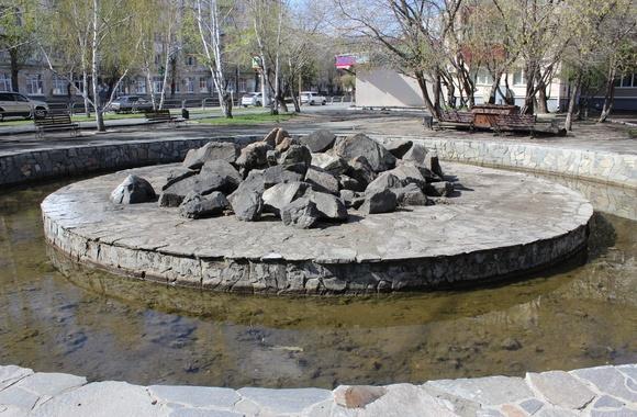 В Кургане житель предложил благоустроить фонтан и сквер по улице Коли Мяготина