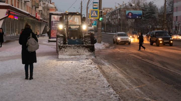 Власти Архангельска оштрафуют ПДУ за плохую уборку улиц от снега: видеокомментарий