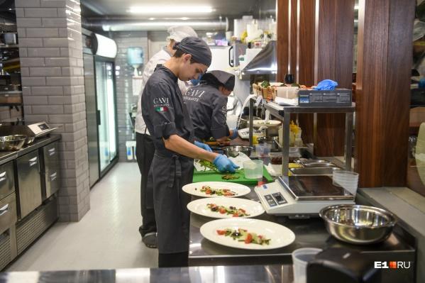Рестораторы потратились на защитные средства для персонала