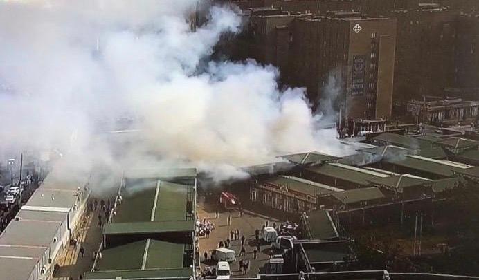 Пожар охватил рынок в Шахтах