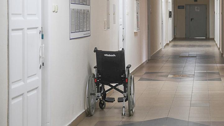 «У них там всё схвачено»: медики Сысертской больницы боятся давать показания против руководства