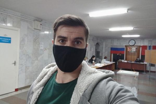 По мнению Степана,говорить о том, что никому не выгодно заниматься вбросами, смешно
