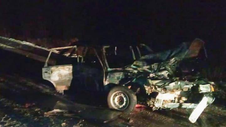 В Башкирии в ДТП сгорела машина, пострадал 11-месячный ребенок