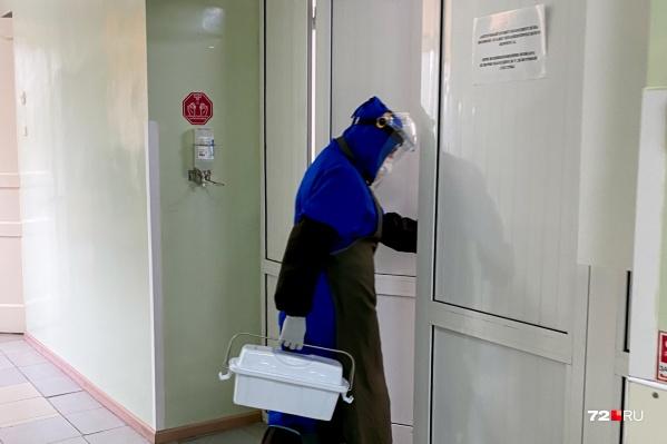 Моногоспитали разделили на уровни, чтобы врачам было легче оказывать помощь заболевшим COVID-19